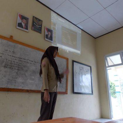 ENGLIS CLUB SMK SWADHIPA 2 NATAR
